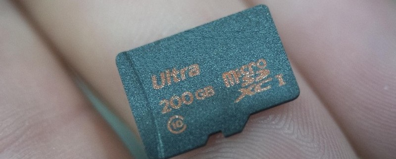 A microSD card of 200 GB capacity is here - Manufacture by Lexar